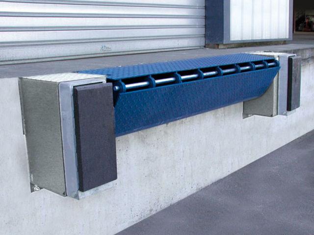 Mini-niveleur de quai manuel ou hydraulique